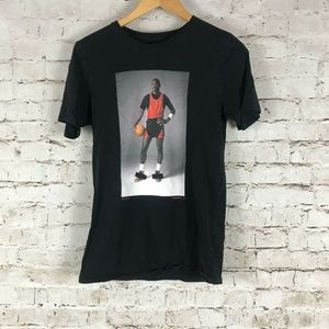 Air Jordan Nike T-Shirt Size Small Michael Jordan
